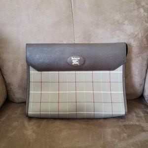 Unisex Authentic Vintage Burberry Clutch N…